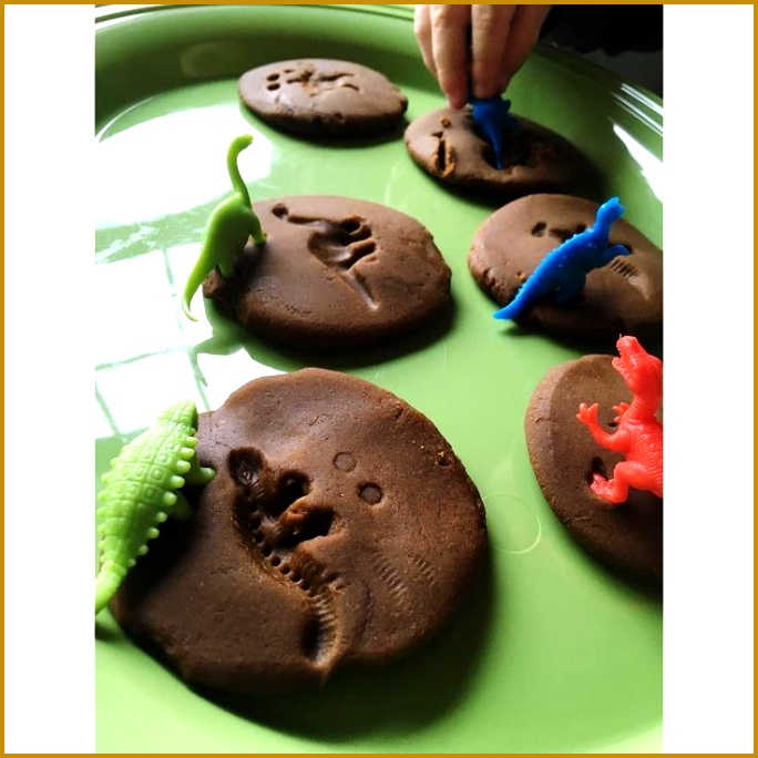 Dinosaur Playdough Fossils 684684