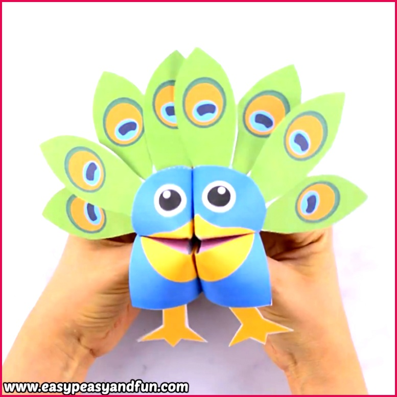 Amazing printable peacock cootie catcher Learn how to make a peacock fortune teller with our printable template This is a cool origami for kids to make
