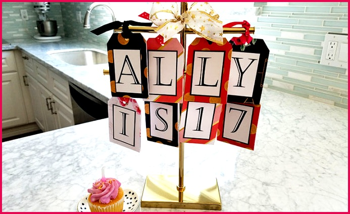 Gift Cards on Jewelry Stand